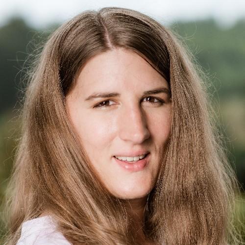 Claudia Grajek